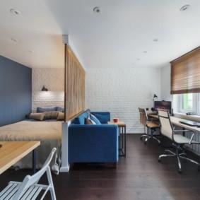 Синий цвет в интерьере общей комнаты