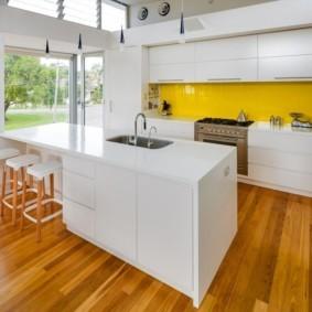ламинат на кухню фото