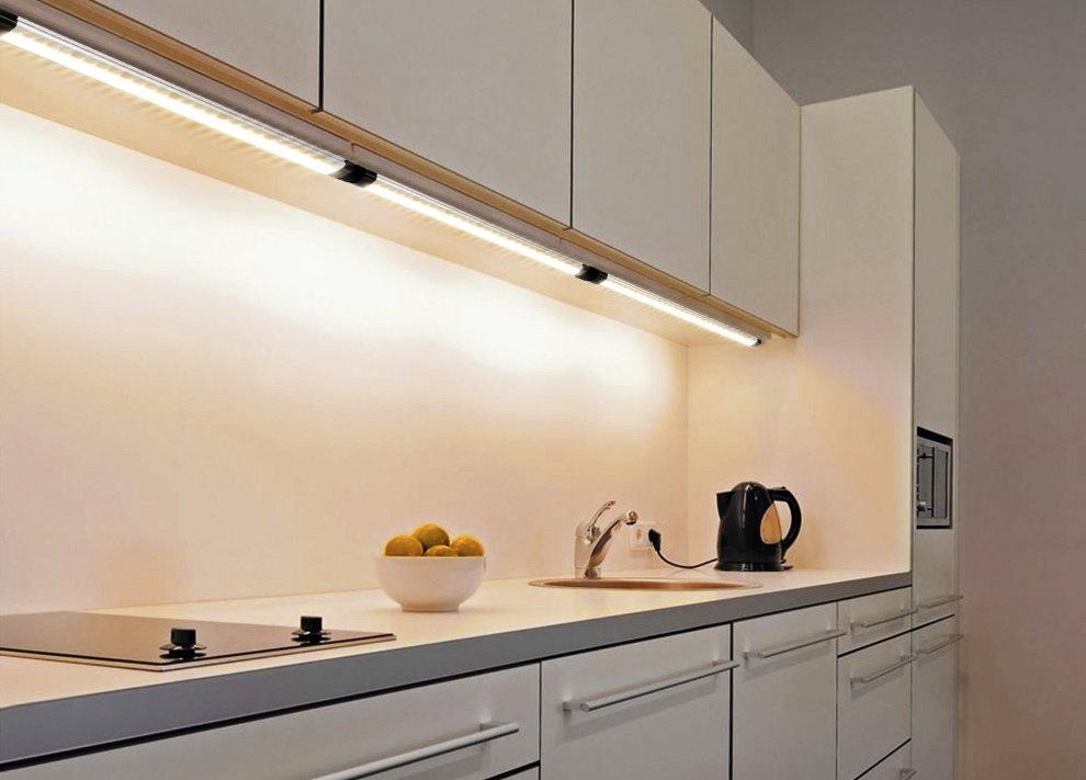 LED-подсветка рабочих поверхностей в современной кухне