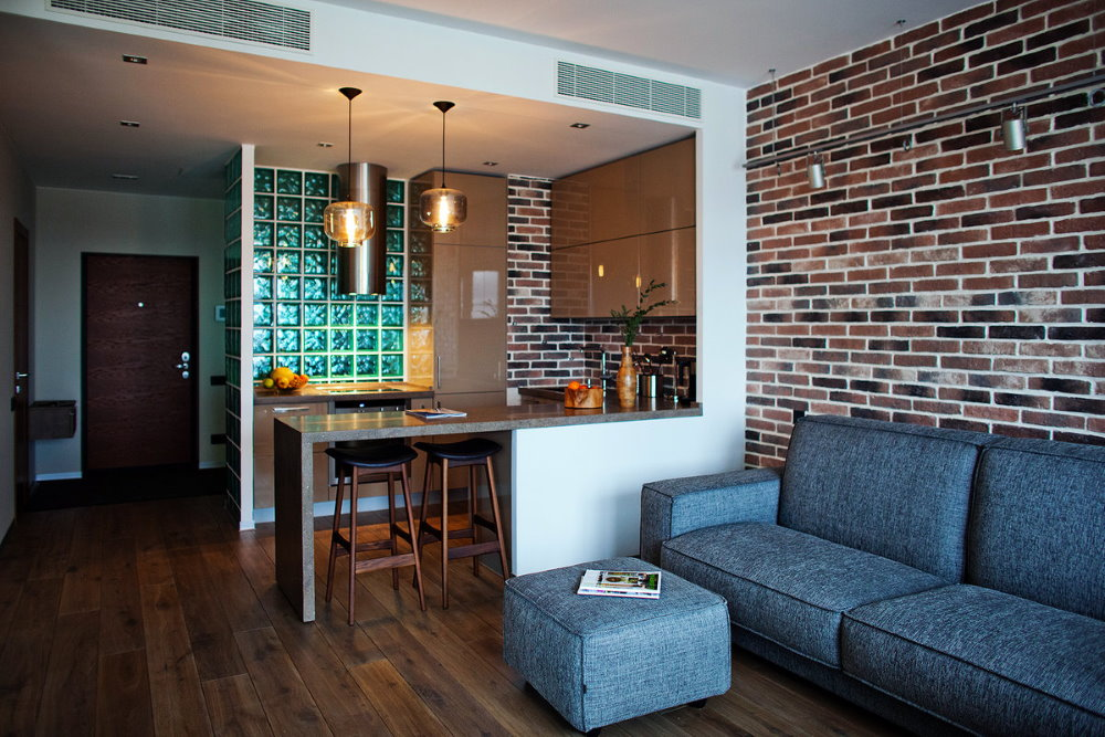 Уютная квартира студия в духе лофта