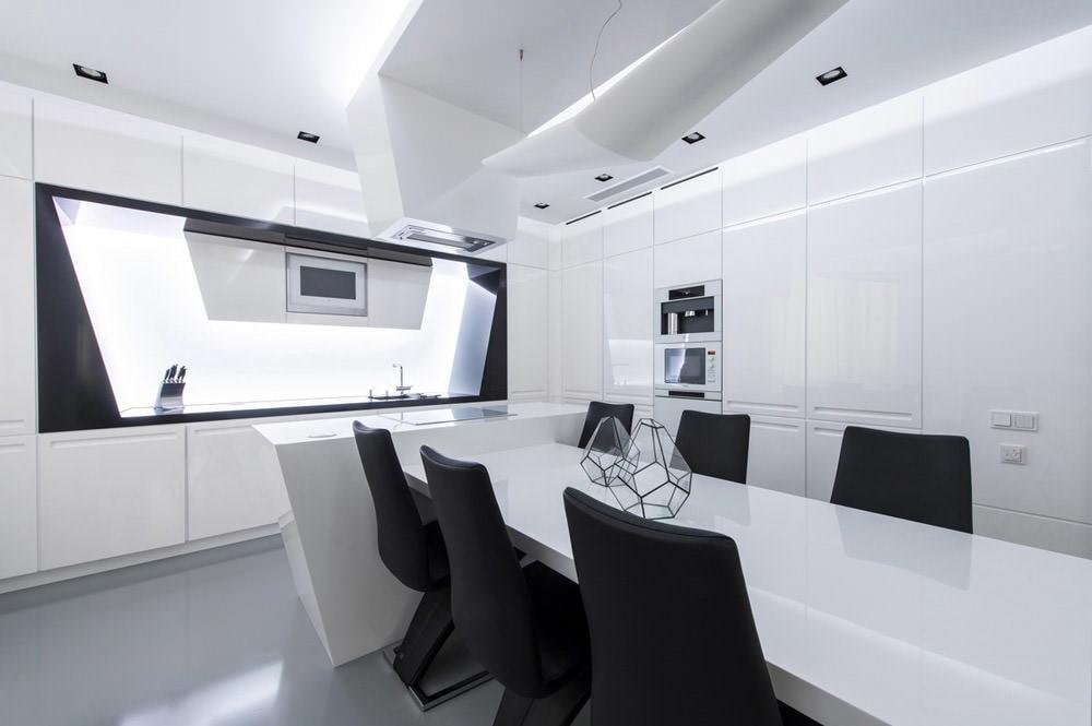 Ослепительно белая кухня в стиле хай-тек