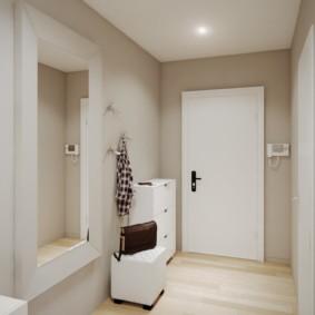Пульт домофона на стене около входной двери