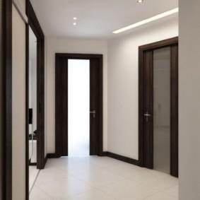 Интерьер коридора без предметов мебели