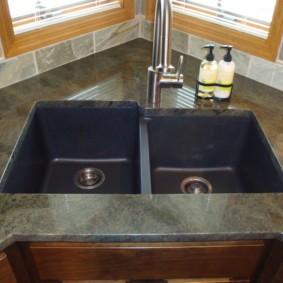 мойка для кухни из искусственного камня фото оформленеи