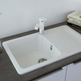 мойка для кухни из искусственного камня фото вариантов