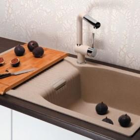 мойка для кухни из искусственного камня оформление идеи