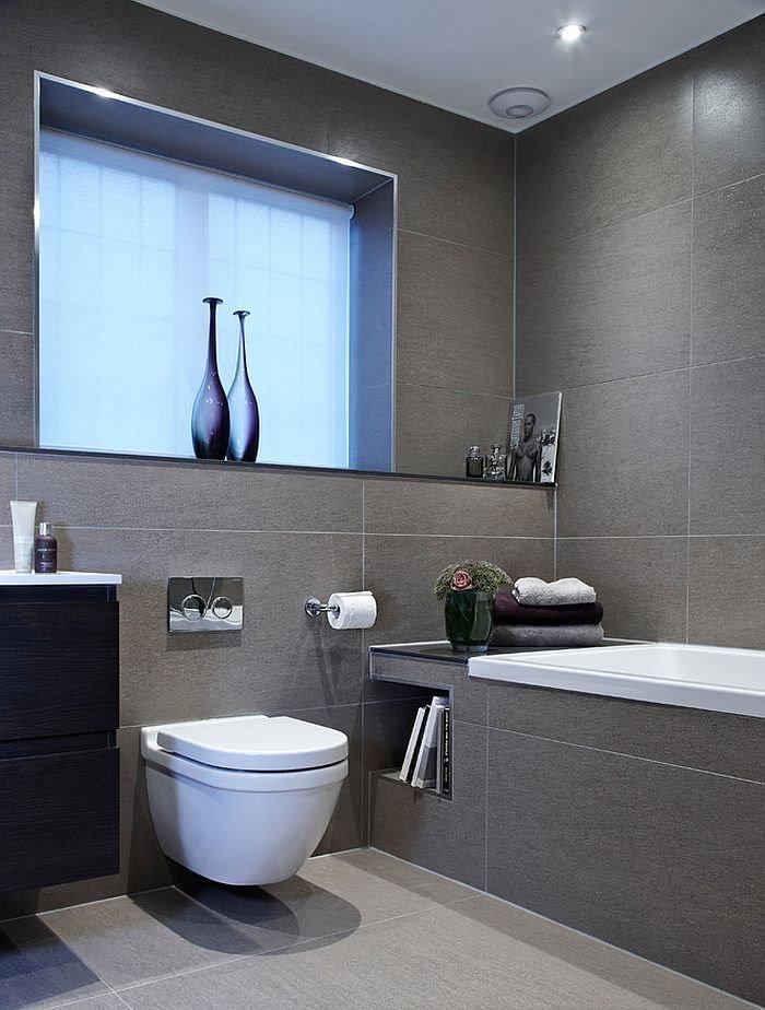 Серая плитка в ванной с навесным унитазом
