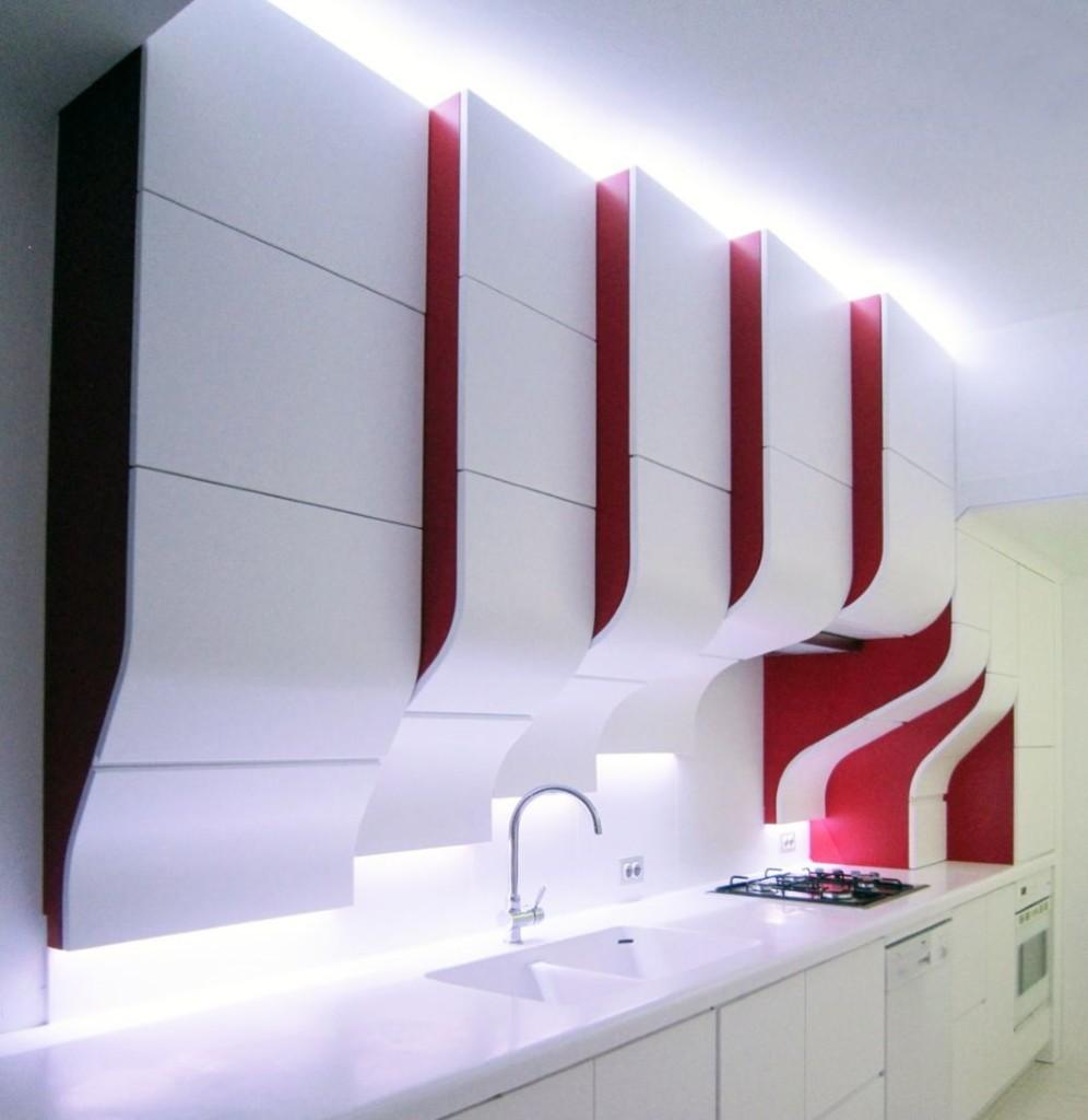 Кухонный гарнитур с оригинальными фасадами для кухни хай тек