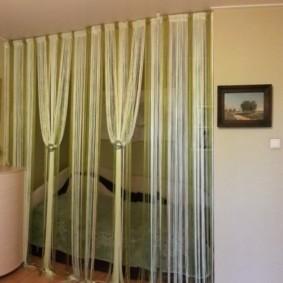 нитяные шторы на кухне декор фото
