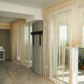 нитяные шторы на кухне фото интерьера