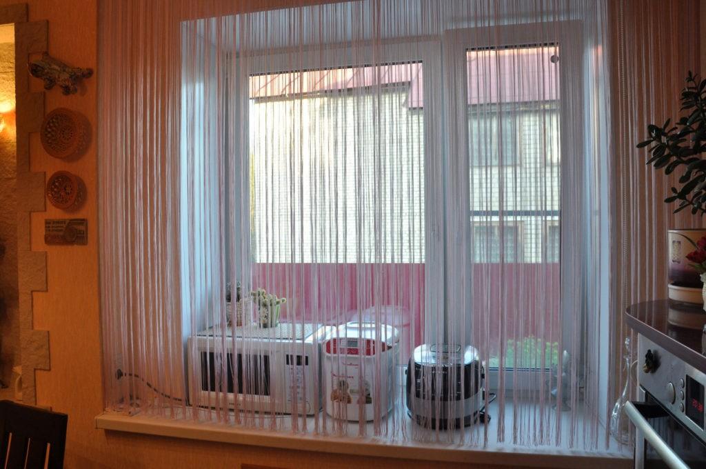 нитяные шторы на кухне фото видов