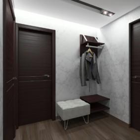 обои для коридора с темными дверями фото интерьер