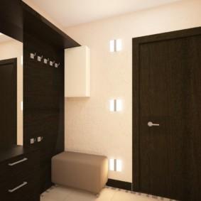 обои для коридора с темными дверями фото интерьера