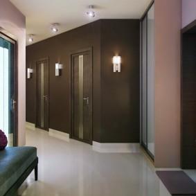 обои для коридора с темными дверями виды фото