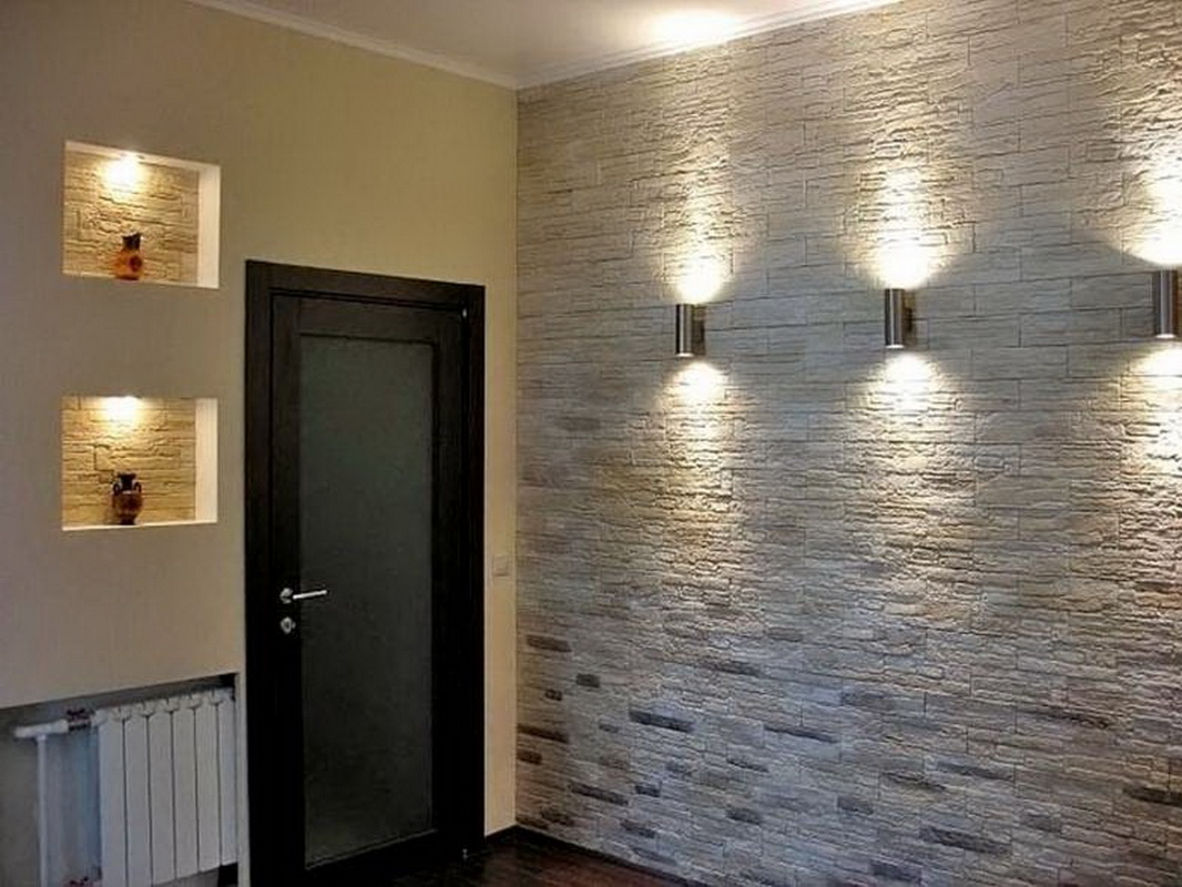 легко отделка стен в коридоре декоративным камнем фото зеркальным