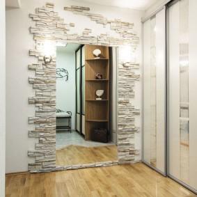 обои и декоративный камень в интерьере прихожей фото дизайн