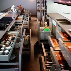 организация пространства на кухне фото интерьера