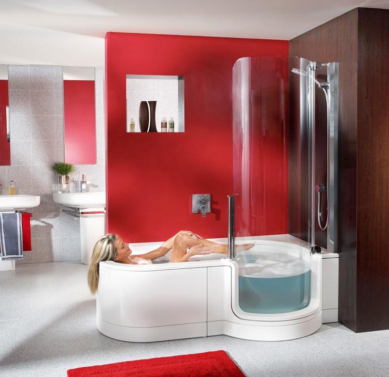 Акриловая ванна с боковым душем