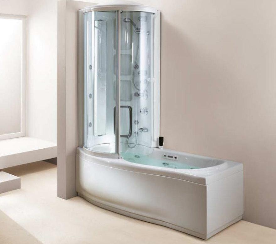 Полуоткрытая ванна с душевой кабинкой