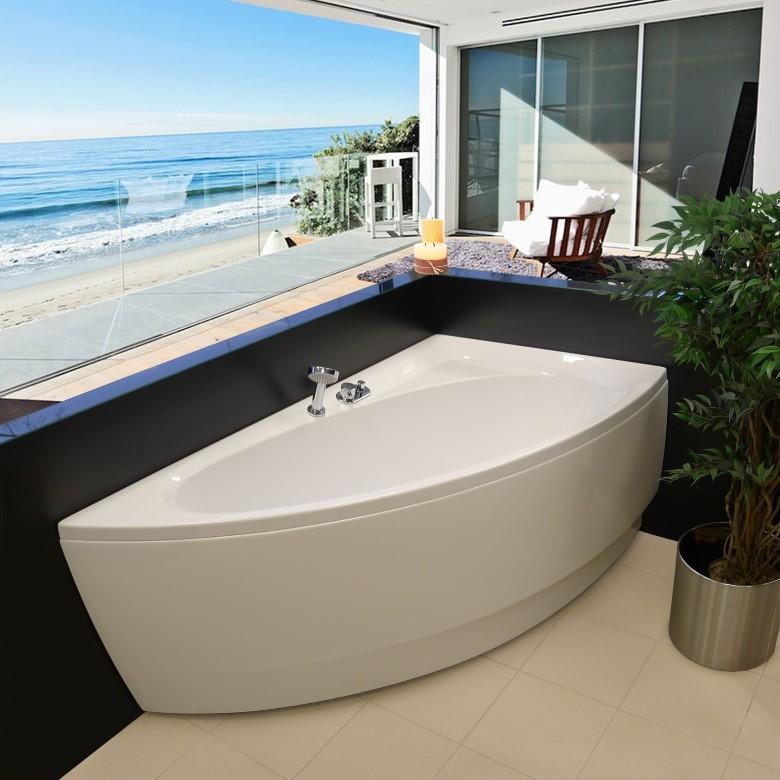 Угловая акриловая ванна для небольшой комнаты