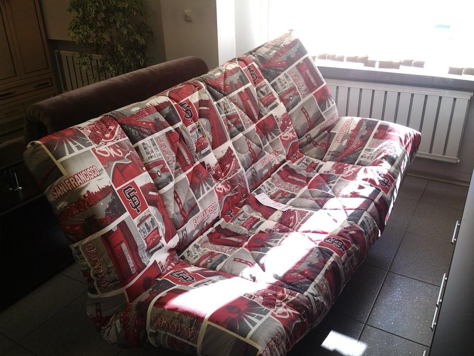 Раскладной диван в гостиной двушки