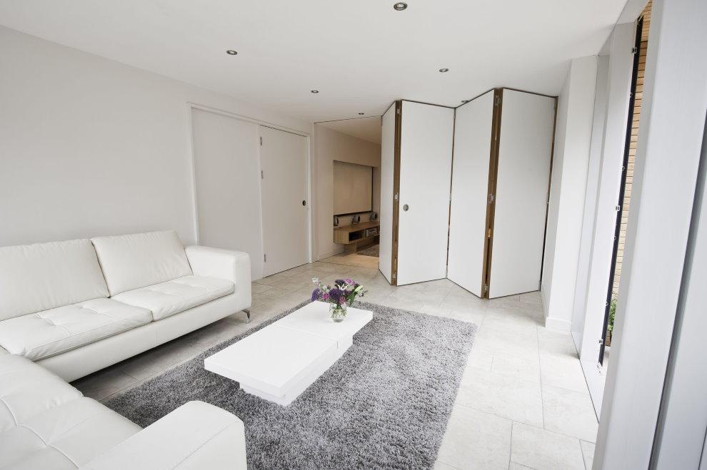 Перегородка-гармошка в однокомнатной квартире площадью 40 кв м