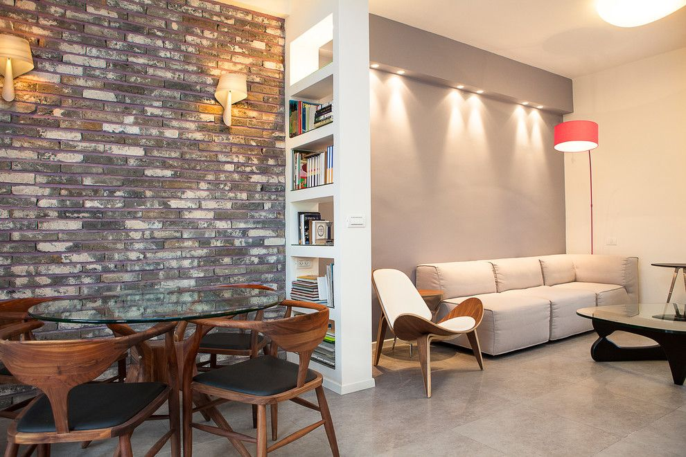 Разные стены в однокомнатной квартире