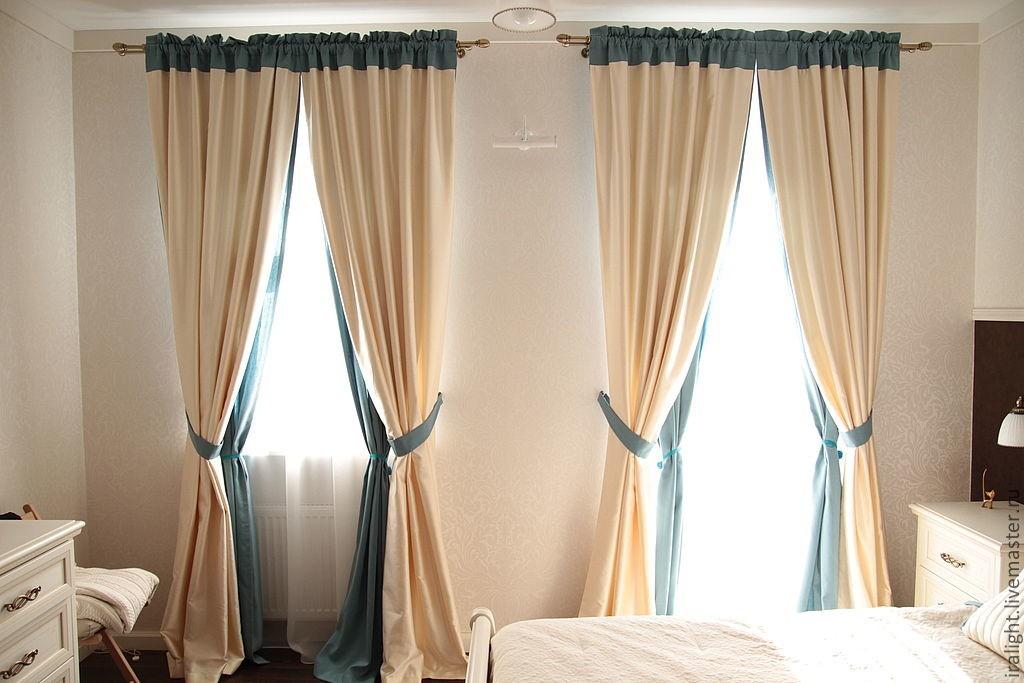 Спальная комната со шторами на кулиске