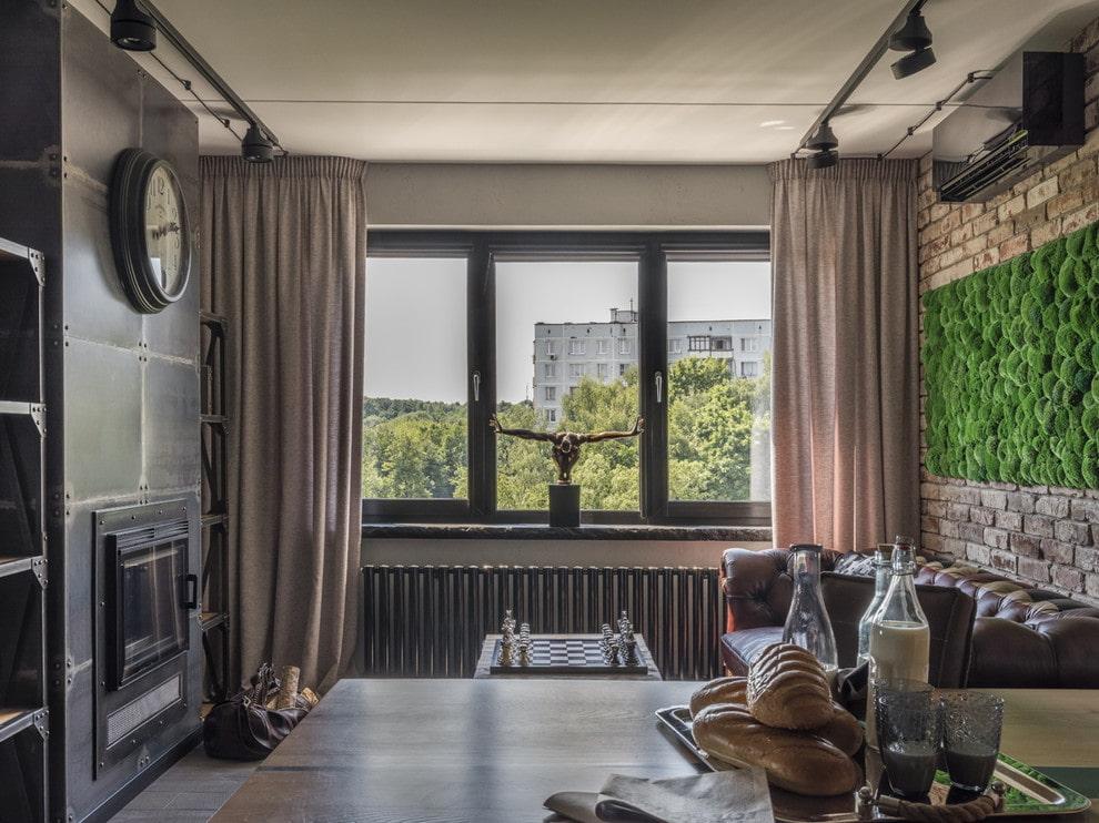 Декор шторами окна комнаты в стиле лофта