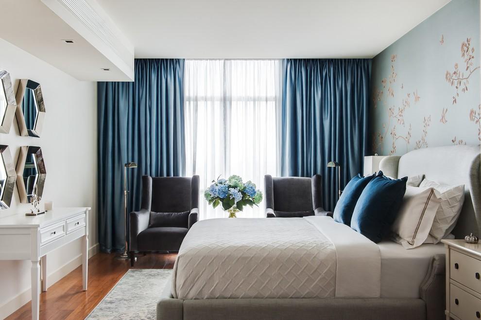 Светло-синие портьеры из плотной ткани