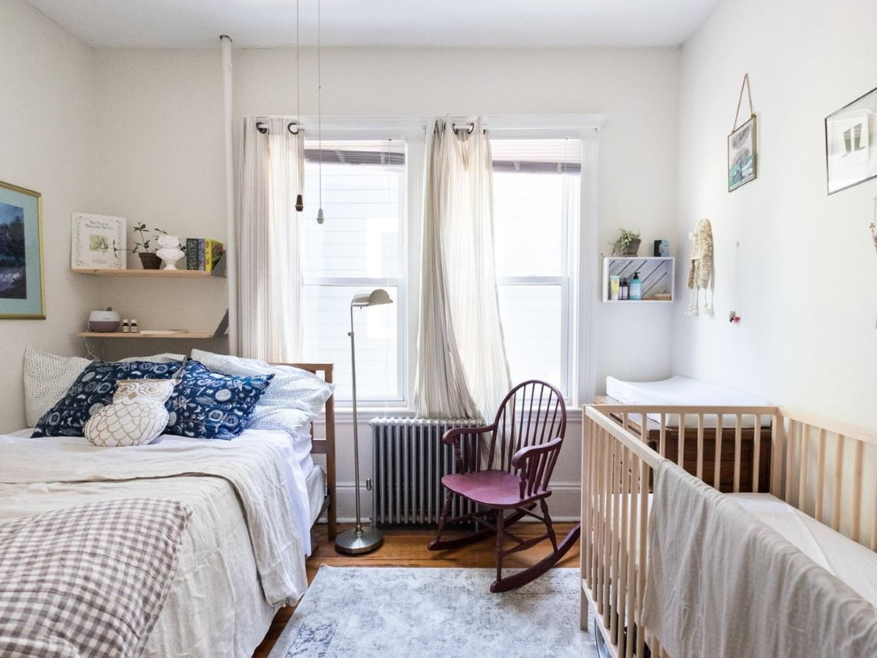 Комната с детской кроваткой в скандинавском стиле
