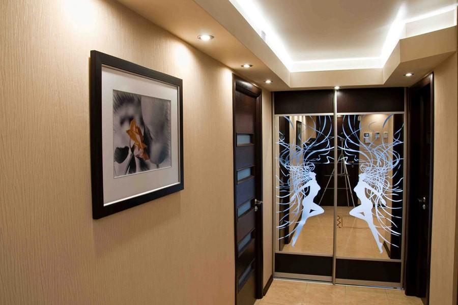 стеклообои в коридоре