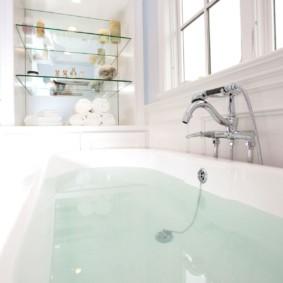 стеклянные полки для ванной комнаты идеи декор