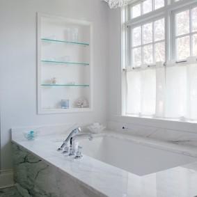 стеклянные полки для ванной комнаты идеи декора
