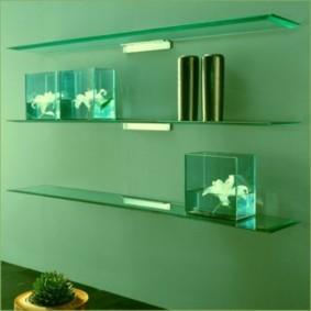 стеклянные полки для ванной комнаты интерьер