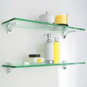 стеклянные полки для ванной комнаты фото интерьер