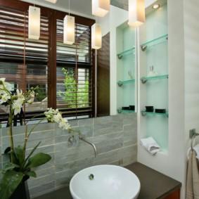стеклянные полки для ванной комнаты оформление фото
