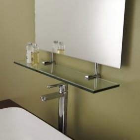 стеклянные полки для ванной комнаты фото оформления