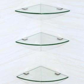 стеклянные полки для ванной комнаты виды
