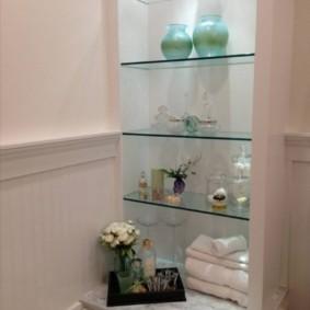 стеклянные полки для ванной комнаты виды идеи