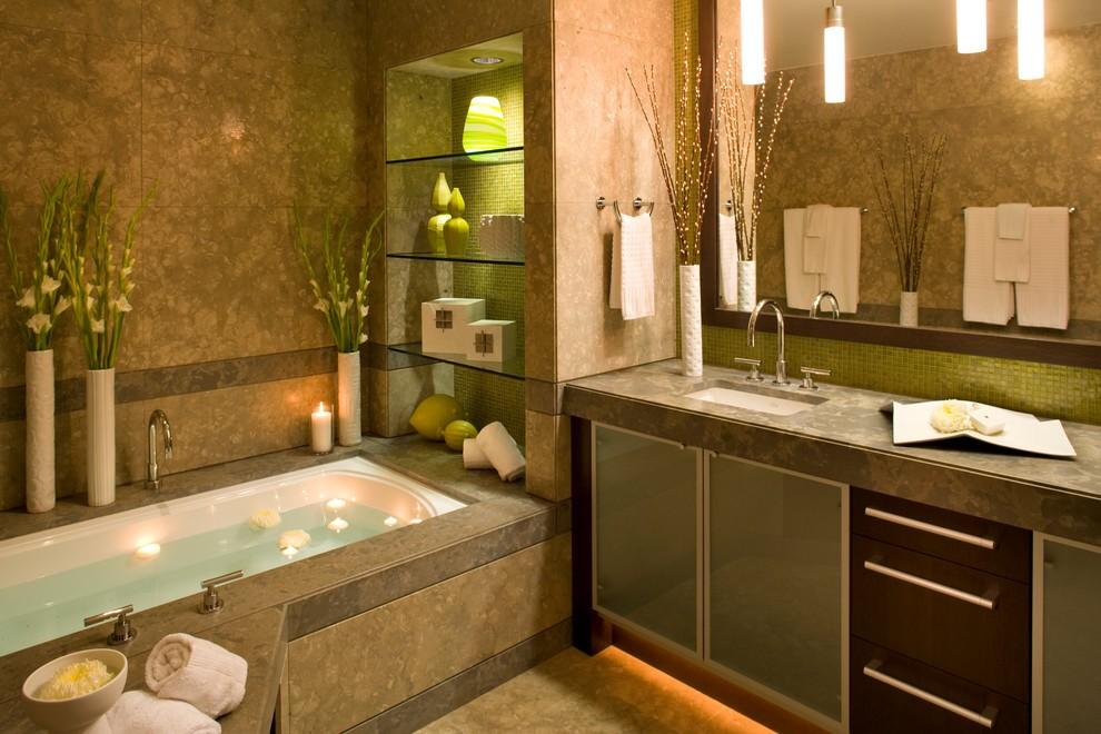 стеклянные полочки для ванной комнаты