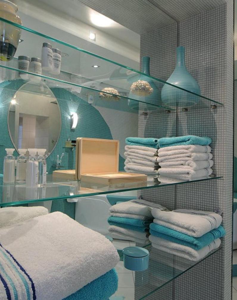 стеклянные полочки в ванной комнате