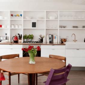 белый стеллаж для кухни