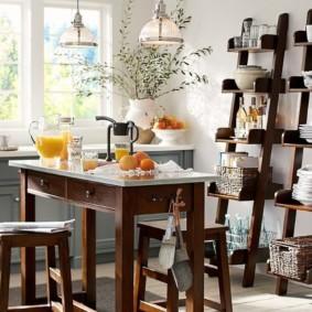 стеллаж для кухни в виде лесенки