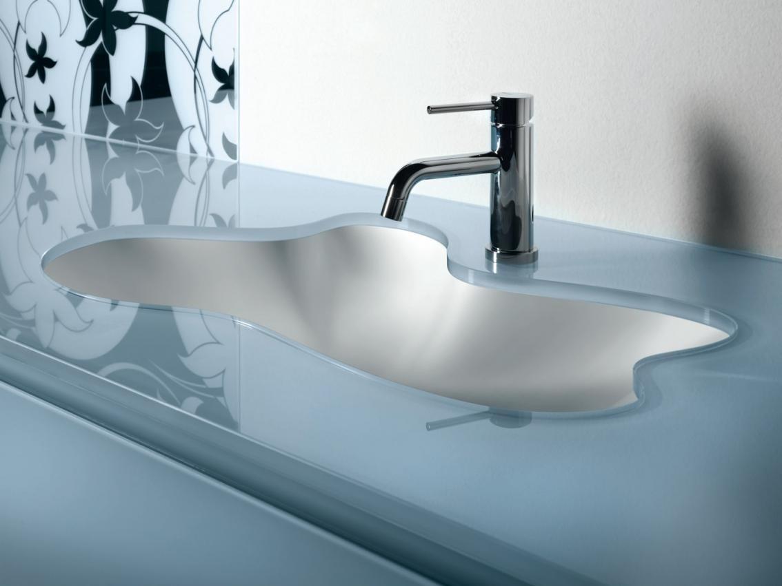 столешница в ванную из стекла