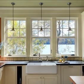 столешница вместо подоконника на кухне декор фото