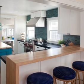 столешница вместо подоконника на кухне фото декор