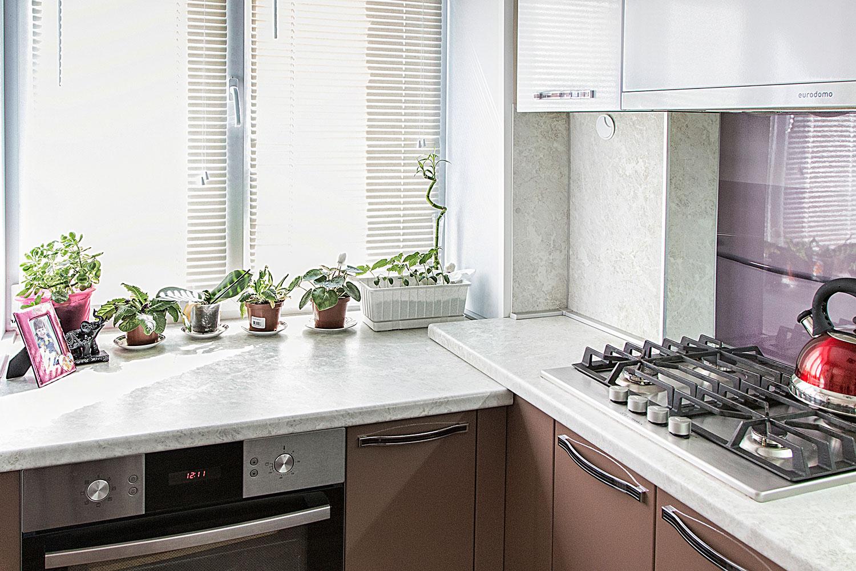 столешница вместо подоконника на кухне фото дизайн