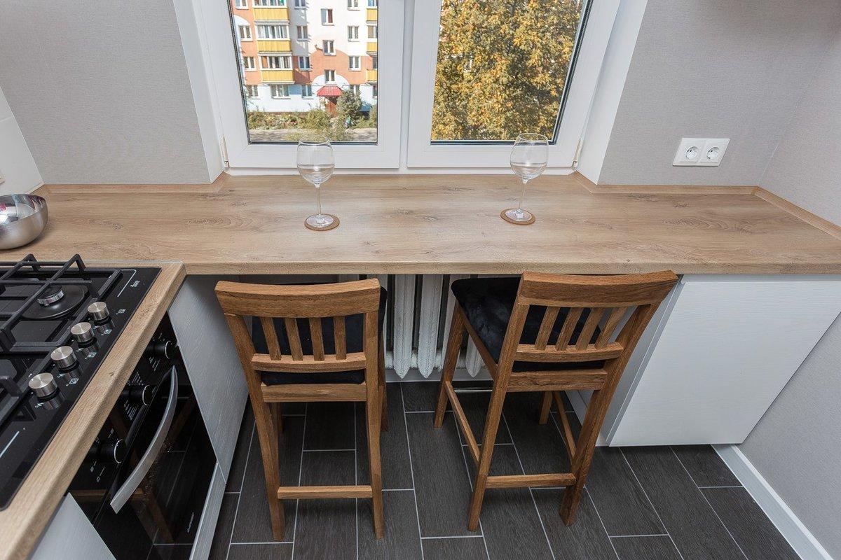 столешница вместо подоконника на кухне интерьер
