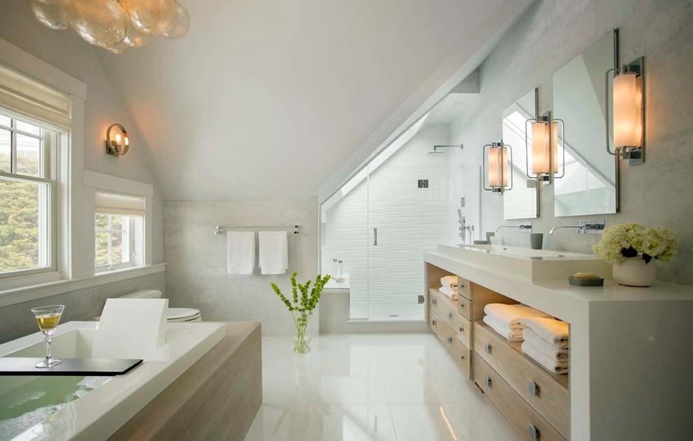 Освещение ванной комнаты на мансардном этаже